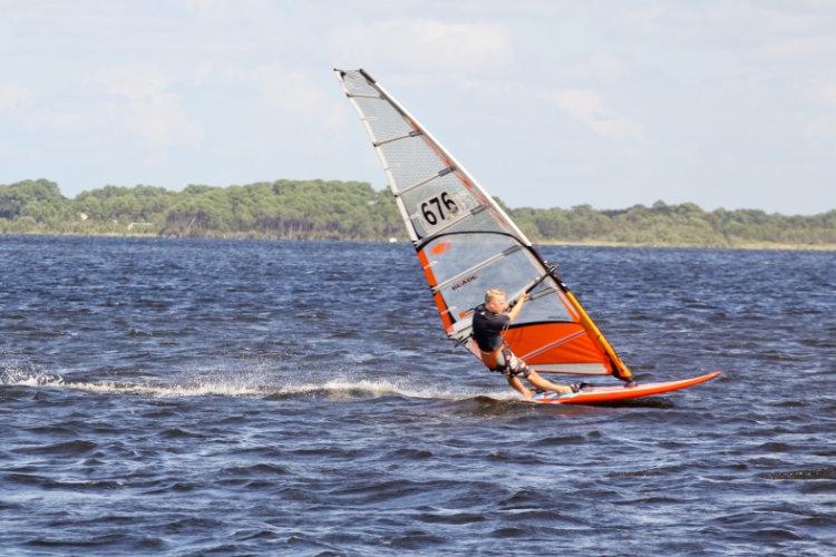 ÉTÉ 2018  WINDSURF INITIATION