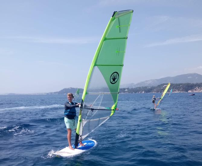 STAGE ETE PLANCHE A  VOILE