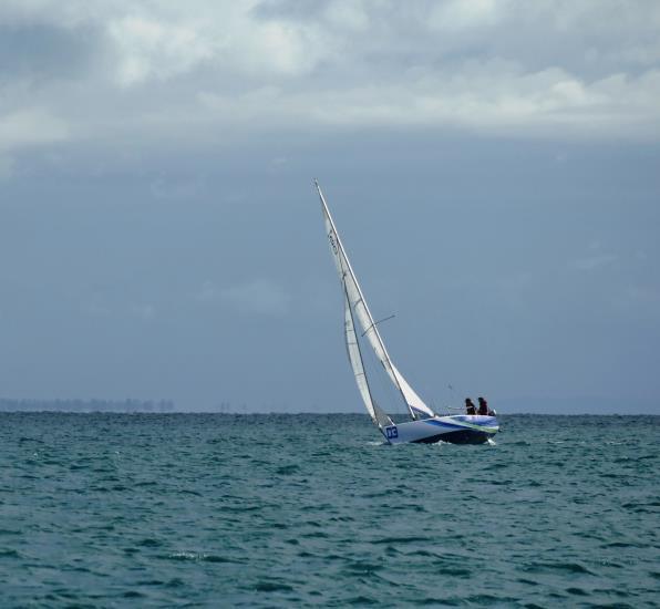 Eté: sport boat Class 8
