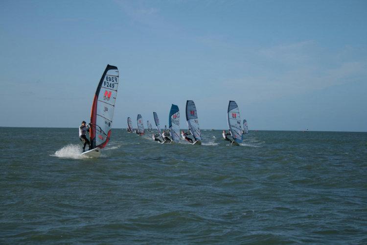 Photo du Offre de Stage de Windsurf 106 jours, du 13 mars au 26 juin 2021 - Club Planche Perfectionnement proposé par OCEAN affilié à la Fédération Française de Voile