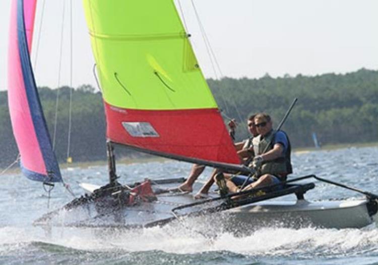 Séance Catamaran NewCat 10/15 ans