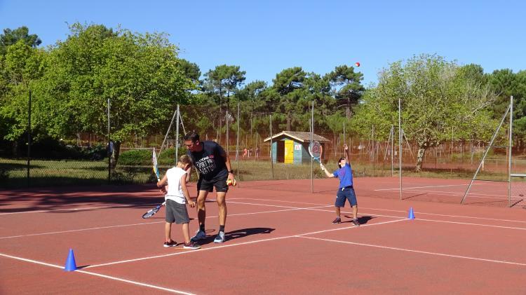 Stage 5j Tennis Famille +12 ans (séances thématiques)