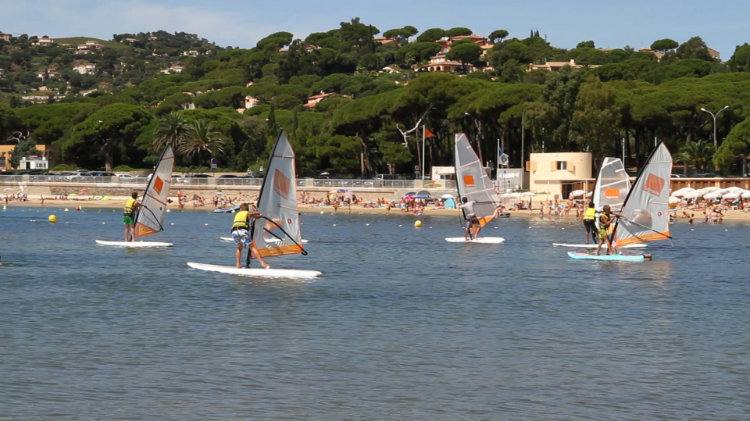 STAGE PLANCHE A VOILE INITIE