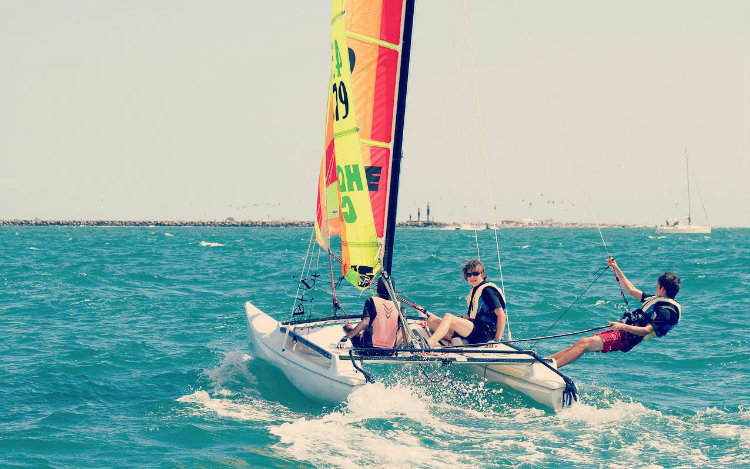 Catamaran-Avancé Mi-temps, 15ans+