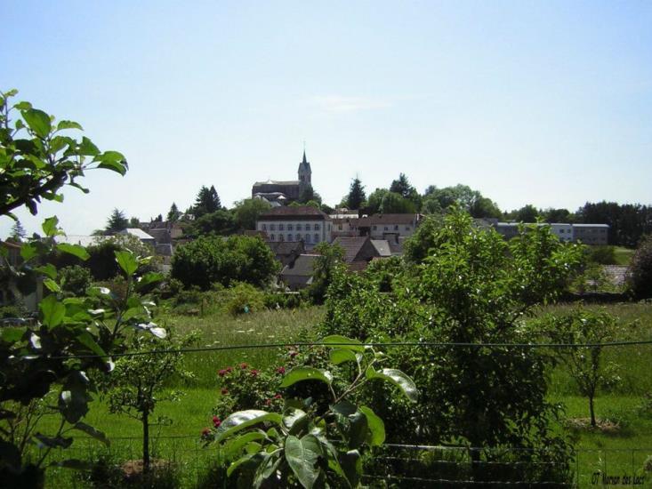 Visite estivale de la ville de Lormes