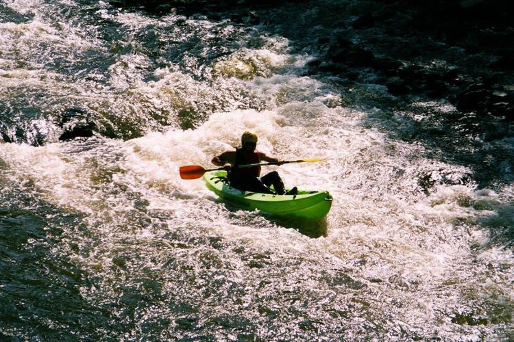 Kayak eau vive exclu enfants