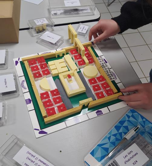 """Atelier enfants 7 - 12 ans """"Maquette de ville romaine"""""""