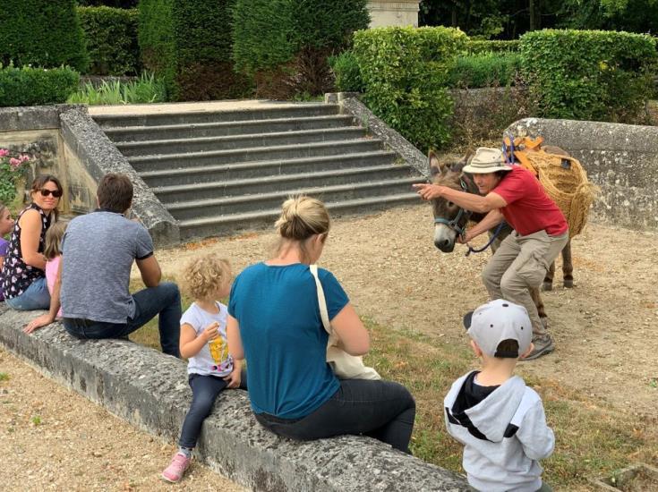 Balades contées avec un âne au Château d'Auvers